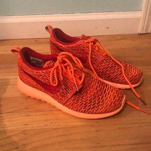 Nike frees - knit orange, size 9